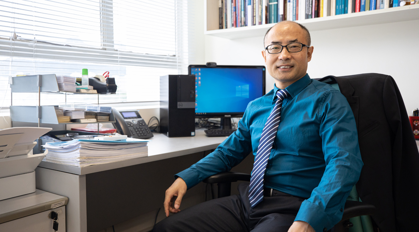 Professor Yin calls on university educators to understand the Chinese students' cultural and educational traditions, and their unique way of learning