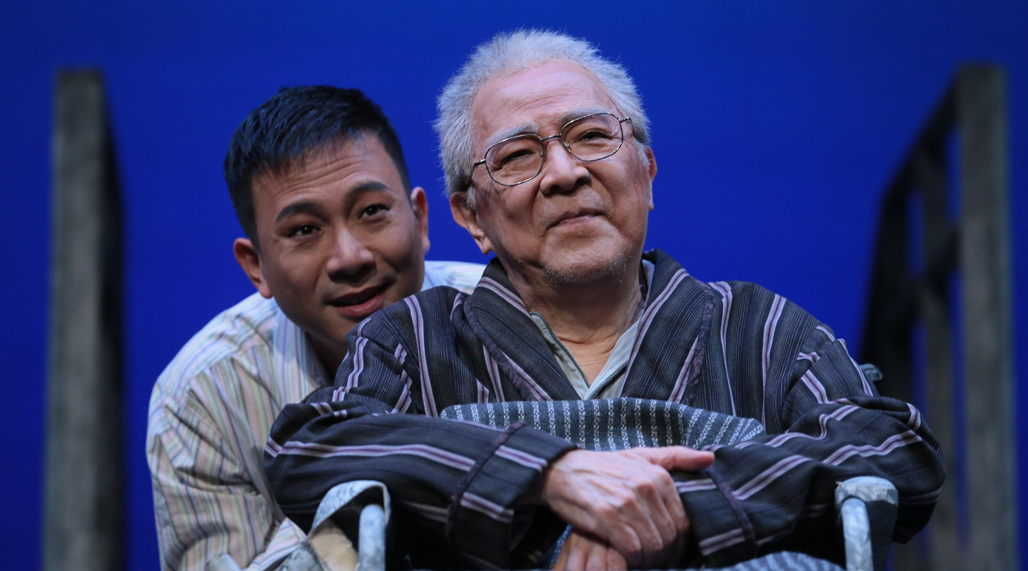 This year marks the 10th anniversary of the premiere of <em>Tuesdays with Morrie</em>, a major production by Chung Ying <em>(Photo courtesy of the interviewee)</em>