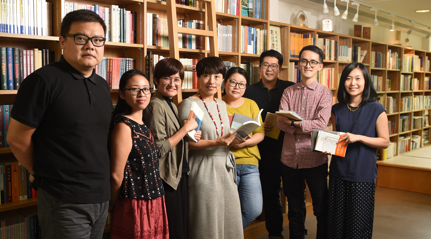 CUP's editorial team: <em>(From left)</em> Dr. Yuan Zaijun, Dr. Ye Minlei, Ms.   Lin Xiao, Dr. Lin Ying, Dr. Yang Yanni, Mr. Li Wenbo, Mr. Brian Yu and  Ms. Rachel Pang