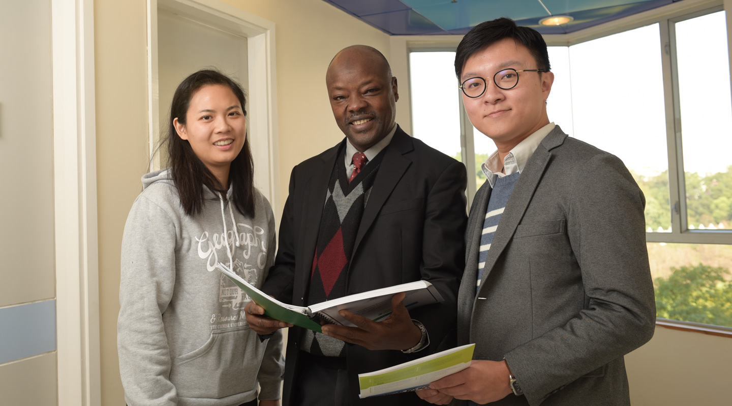 From left: Miss Wendy Yang, Prof. Lawal Marafa and Prof. Johnson Chan (Photo by ISO Staff)