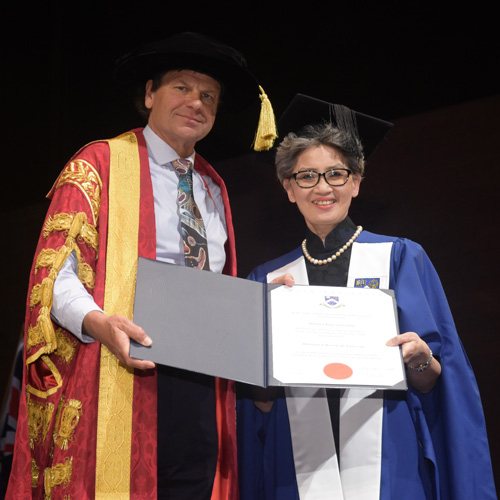 Diabetes Expert Receives Honorary Fellowship Overseas