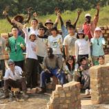 善衡书院于2011年暑假安排学生到乌干达当义工,为孤儿及妇女提供义诊服务,出资亲力盖建学生宿舍,并造访Watoto儿童村庄、婴儿中心及妇女中心。由2012年夏天起,书院派学生前往柬埔寨,探访贫民窟和孤儿院,参与重建,为远方的弱势社群出一分力。