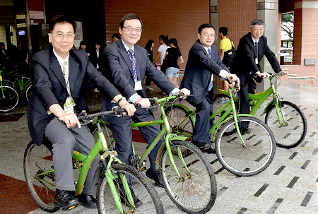 <em>CUHK, Nanjing University and National Central University establish the Cross-strait Green University Consortium, pictured in 2013</em>